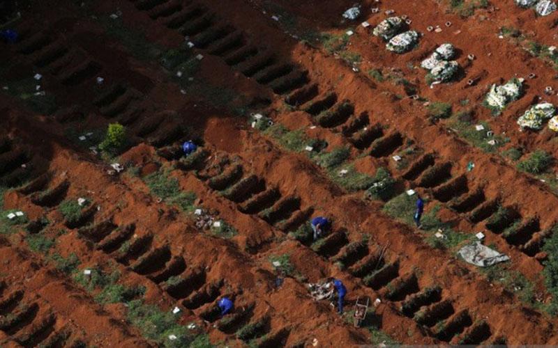 Foto tempat pemakaman Vila Formosa, pemakaman terbesar Brasil, di Sao Paulo, Kamis (2/4/2020). Gelombang kedua virus corona atau Covid-19 banyak menyerang beberapa negara/Antara - Reuters