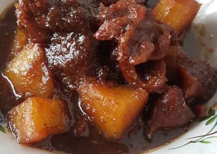 Semur daging menjadi makanan saat Lebaran. - ilustras