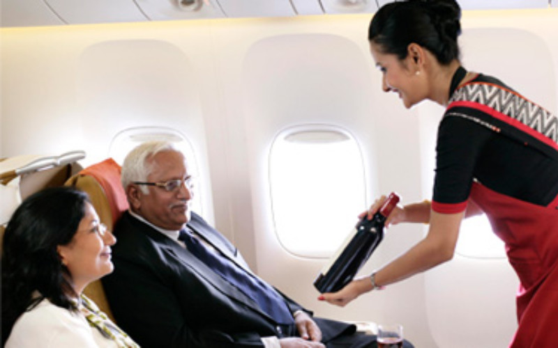 Penerbangan berjadwal internasional dapat diizinkan pada rute tertentu.  - airindia.in