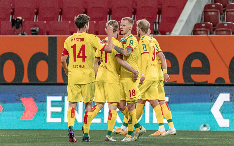 Para pemain Koln bersukacita selepas menjebol gawang Augsburg. - Twitter@fckoeln_ en