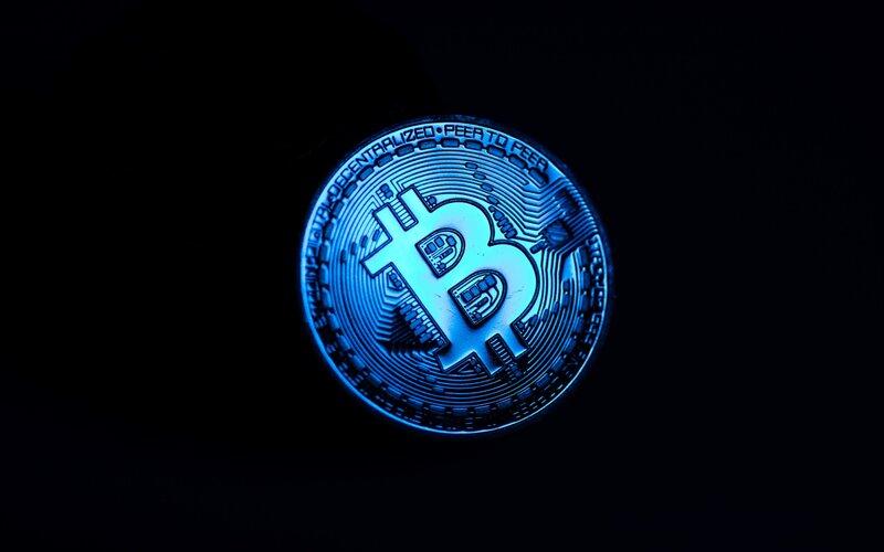 Ilustrasi representasi bitcoin - Bloomberg