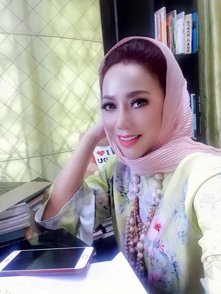 mimpi amy atmanto ciptakan unicorn modest moslem fashion