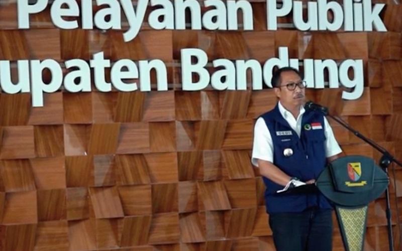 Penjabat Bupati Bandung Dedi Taufik