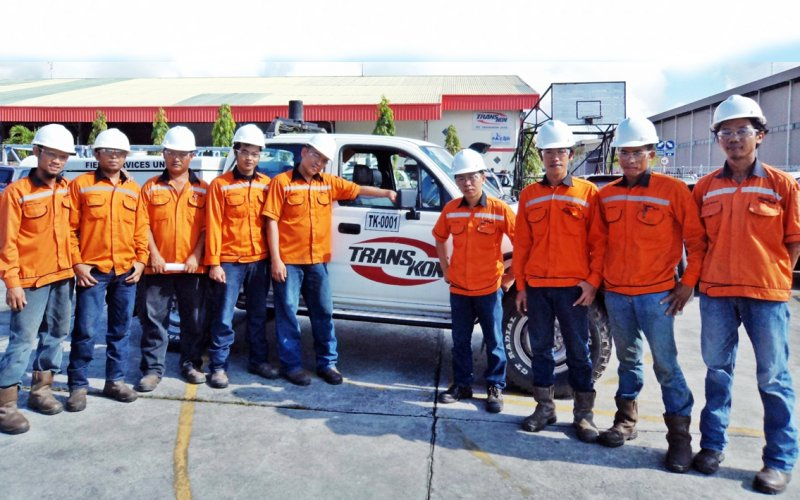 Transkon Jaya adalah perusahaan yang berbasis di Balikpapan, Kalimantan Timur, mengkhususkan diri dalam persewaan Kendaraan 44, servis dan perawatan, bengkel dan pasokan suku cadang untuk industri pertambangan dan minyak dan gas.  - Transkon Jaya