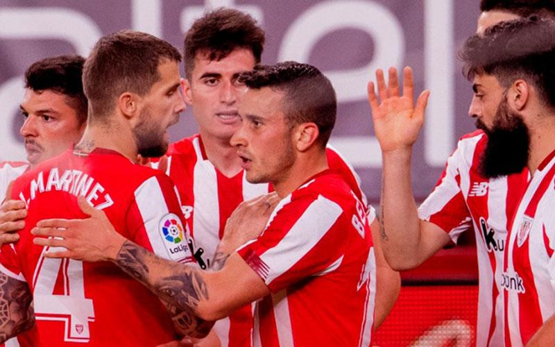 Para pemain Athletic Bilbao selepas menjebol gawang Atoletico Madrid untuk kedua kalinya. - Twitter@Athletic Club