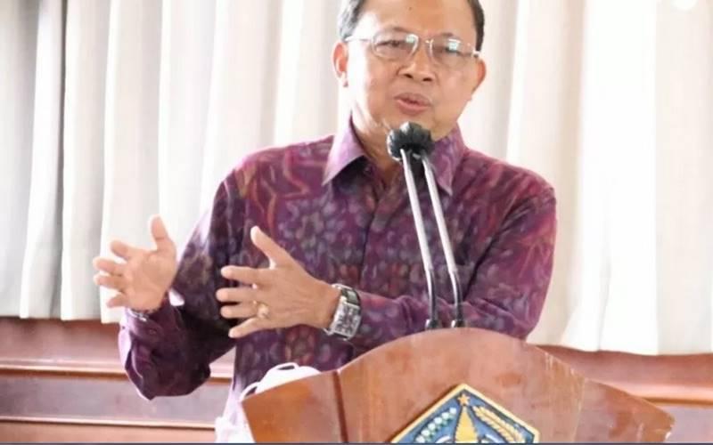 Gubernur Bali Wayan Koster dalam Rapat Koordinasi Persiapan Libur Natal 2020 dan Tahun Baru 2021. - Antara