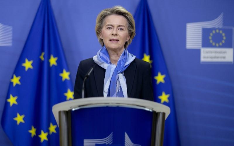 Presiden Komisi Eropa Ursula von der Leyen saat mengadakan konferensi pers di Brussel, Belgia, pada Senin (21/12/2020). - Bloomberg