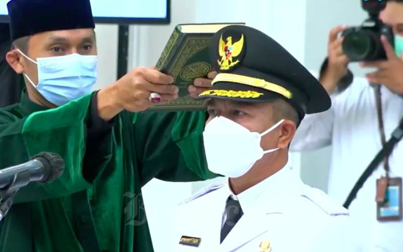 Pelantikan Bupati Bandung Dadang Supriatna - Bisnis/Wisnu Wage Pamungkas