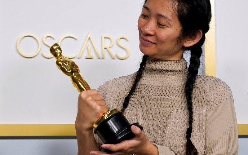 Sutradara oscar terbaik 2021  Chloe Zhao dalam film Nomadland. - Antaranews