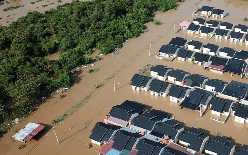 Banjir di Perumahan Mande Villa, Pesona Harapan Indah, Pekanbaru, Riau  - Istimewa