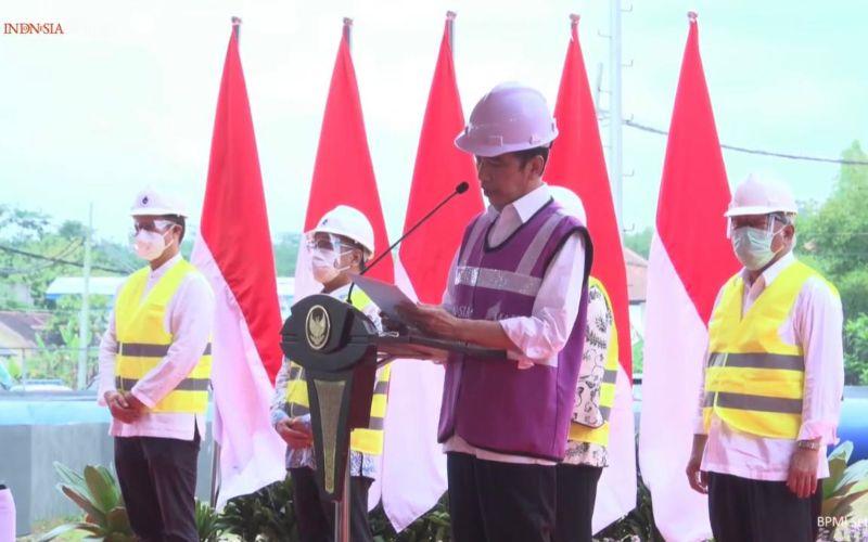 Presiden Joko Widodo dalam acara peresmian Sistem Penyediaan Air Minum (SPAM) Umbulan di Kabupaten Pasuruan, Jawa Timur pada Senin, 22 Maret 2021 / Youtube Sekretariat Presiden