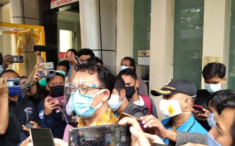 KomisionerKomnas HAMBeka Ulung Hapsara memberikan keterangan kepada awak mediaseusai mengumumkan hasil investigasi terkini atas barang bukti insiden tewasnya enam laskar FPI di Kantor Komnas HAM, Jakarta pada Senin (28/12/2020) - JIBI/Bisnis - Nyoman Ary Wahyudi