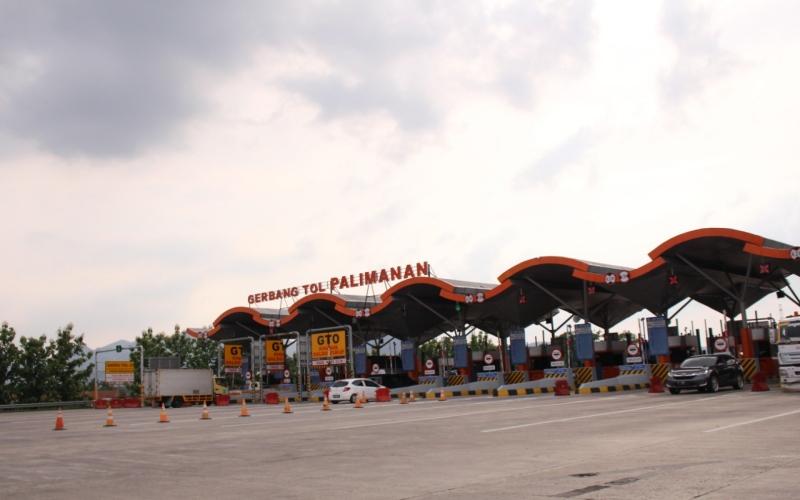 Gerbang tol Palimanan di jalan tol Cipali. - Bisnis/Asep Mulyana