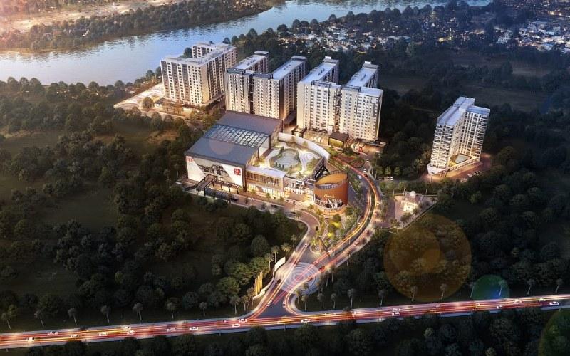 Oase Park merupakan kawasan mixed-use, berupa apartemen dan area komersil yang berdampingan dengan pool Bus Transjakarta Ciputat dan memiliki akses dekat dengan MRT Lebak Bulus.  - oase park