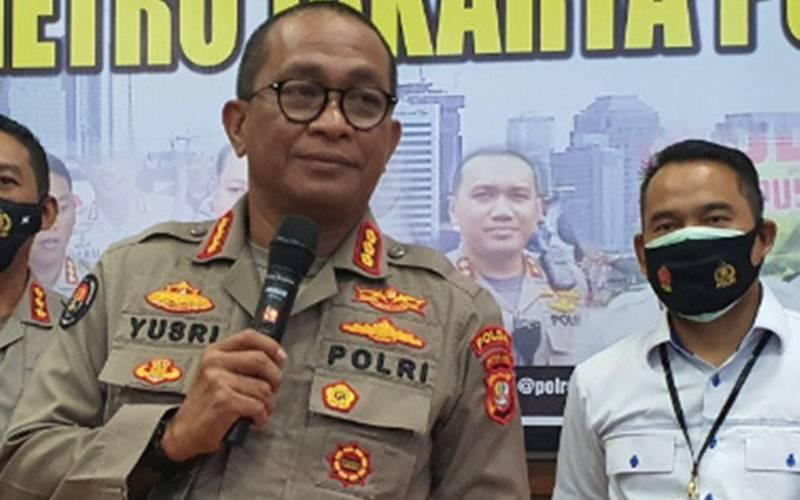 Kabid Humas Polda Metro Jaya Kombes Pol Yusri Yunus saat berada di Polres Metro Jakarta Pusat, Rabu (11/11/2020). - Antara/Livia Kristianti