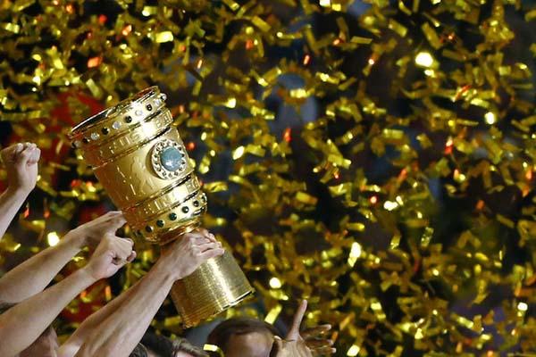 Trofi Piala Jerman - Reuters