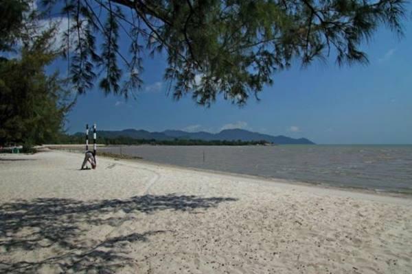 Pantai Pongkar di Kabupaten Karimun - Istimewa
