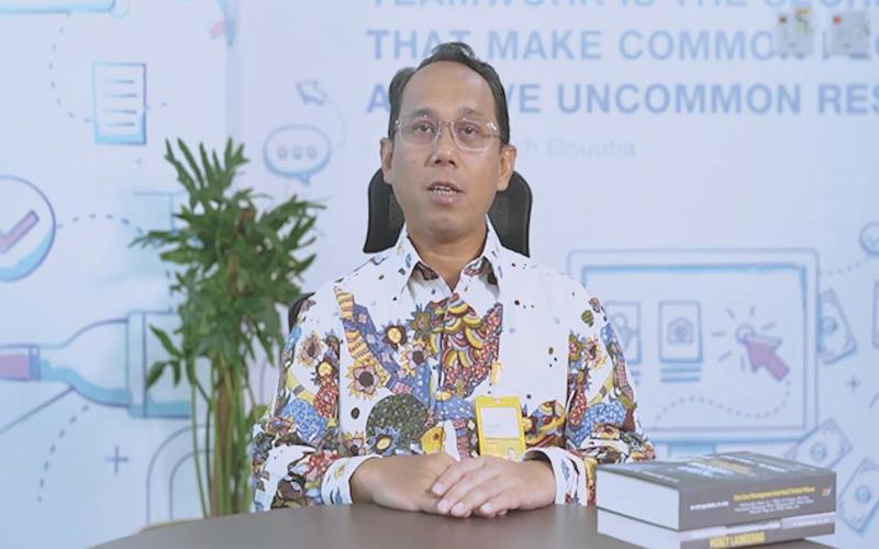 Direktur Utama Bank Mantap Elmamber P. Sinaga dalam sambutan pencatatan PUB Obligasi Satu Tahap Kedua di Graha Mantap, Jakarta, Sabtu (1/5/2021). - Bank Mandiri Taspen