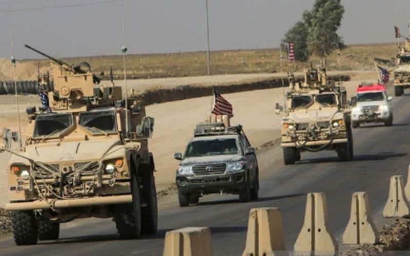 Ilustrasi - Iring-iringan kendaraan militer Amerika Serikat setelah penarikan pasukan dari Suriah utara melintas di pinggiran Dohuk, Irak, (21/10/2019)./Antara - Reuters/Ari Jalal\r\n