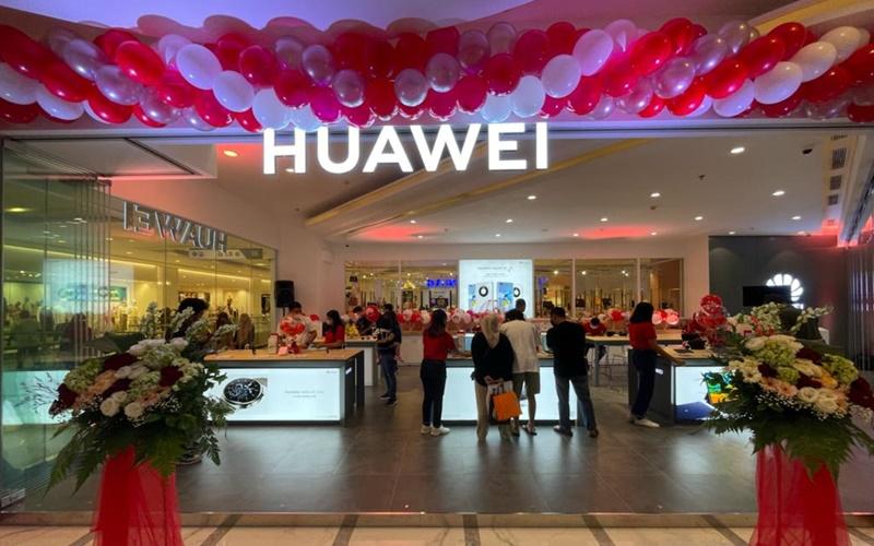 Pembukaan gerai Huawei