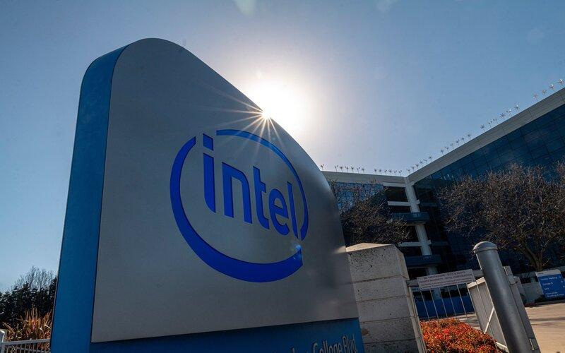 Papan logo Intel di kantor pusatnya di Santa Clara, California, AS - Bloomberg