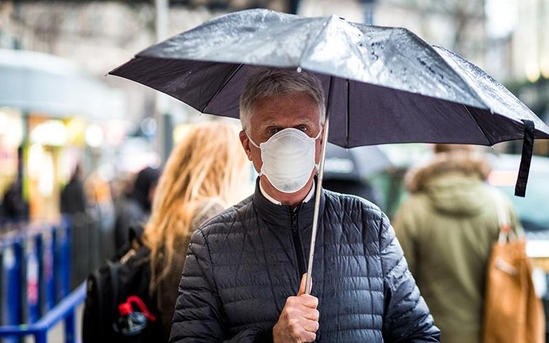 Warga AS memakai masker - istimewa