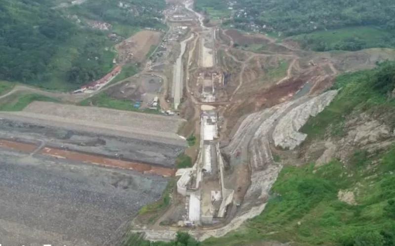 Pembangunan Bendungan Tugu dilaksanakan oleh kontraktor PT Wijaya Karya dengan nilai kontrak tahun jamak sebesar Rp1,9 triliun.  - ANTARA
