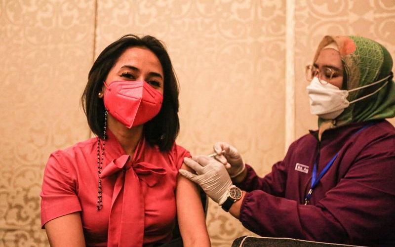 Vaksinasi tenaga pariwisata, ekonomi kreatif dan seni budaya di Kota Bandung