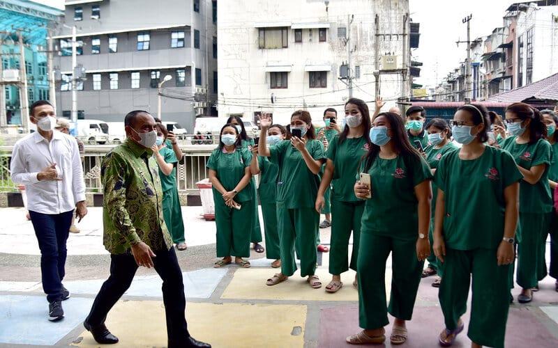 Gubernur Sumatera Utara (Sumut) Edy Rahmayadi meninjau dua Rumah Sakit (RS), yakni RS Martha Friska Jalan Multatuli Medan dan RS Haji Jalan RS Haji Nomor 47, Deliserdang, Selasa (4/5/2021). - Kominfo Sumut