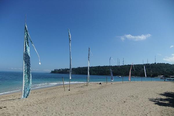 Pantai Senggigi - Istimewa