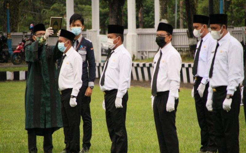 Pegawai honorer di lingkungan Pemerintah Kabupaten Ogan Komering Ilir (OKI) mengikuti pelantikan menjadi pegawai pemerintah dengan perjanjian kerja atau PPPK. istimewa