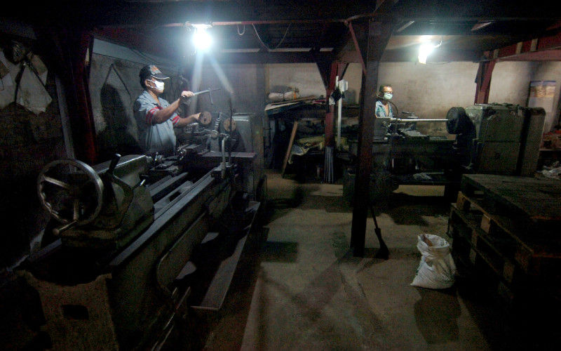Industri logam di Jawa Tengah.  - Antara