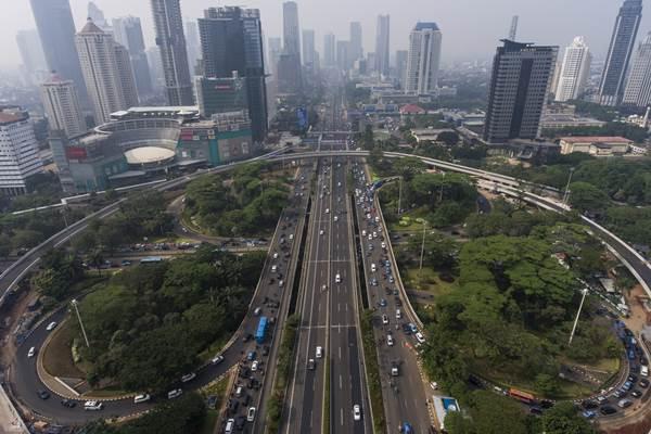 Foto aerial Simpang Susun Semanggi di Jakarta, Jumat (14/7). ANTARA FOTO - Sigid Kurniawan