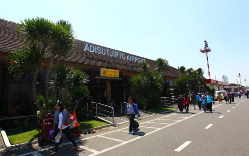 Ilustrasi Bandara Adisucipto Yogyakarta  -  Bisnis/Dwi Prasetya