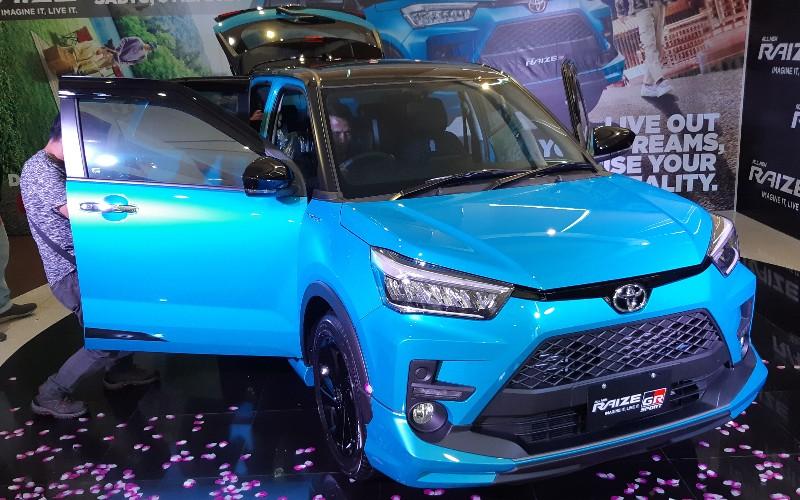 Toyota Raize resmi meluncur di Pekanbaru. Toyota Raize akan dipasarkan dengan harga mulai Rp222,2 juta untuk tipe terendah yaitu Raize 1.0T G MT, dan Rp267,3 juta untuk tipe tertinggi Raize 1.0T TRD CVT Safety (ASA) 2 tone.  - Bisnis/Arifgunawan