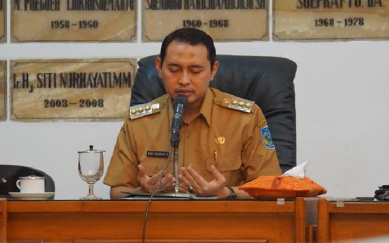Bupati Nganjuk Novi Rahman Hidayat menjadi target operasi tangkap tangan (OTT) Komisi Pemberantasan Korupsi (KPK)  -  Facebook.com