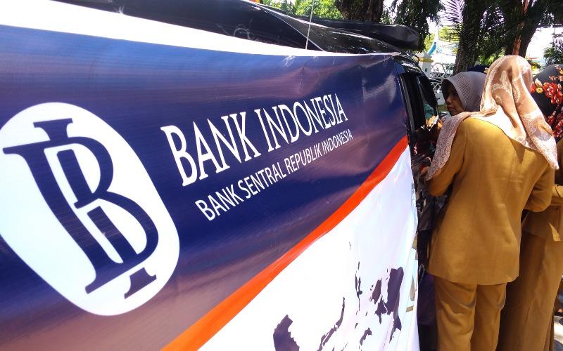 Layanan mobil keliling penukaran uang baru untuk Ramadan dan Lebaran oleh Bank Indonesia Perwakilan Sumatra Barat pada 21 Mei 2019 lalu. Bisnis - Noli Hendra