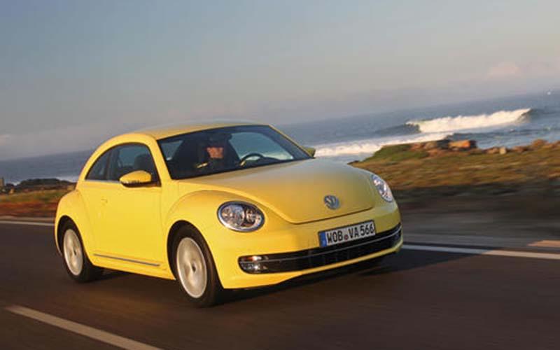Ilustrasi VW Beetle kuning.  - newsroom VW