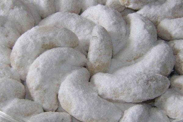 Kue putri salju sering dihidangkan saat Lebaran - Istimewa