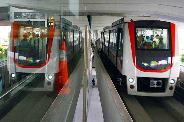 Skytrain dioperasikan saat uji coba mengangkut penumpang di Terminal 3 Bandara Soekarno Hatta, Tangerang, Banten, Jumat (15/9).  - Antara/Muhammad Iqbal