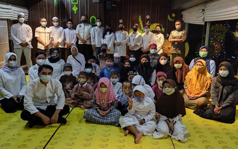 Manajemen Louis Kienne Hotel Simpang Lima Semarang mengajak anak/anak penghuni Panti Asuhan Dharul Aitam untuk berbuka puasa bersama di hotel. (Foto: Istimewa)