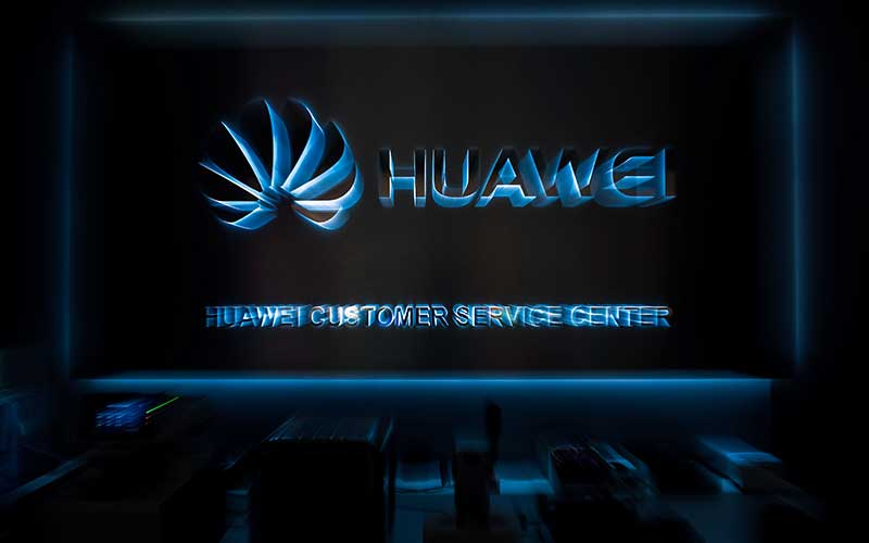 Logo Huawei Technologies Co. di pusat layanan di Brussels, Belgia, Selasa (4/2/2020). Bloomberg - Geert Vanden Wijngaert