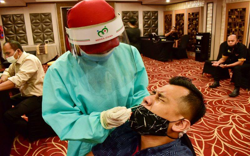 Noormans Hotel Semarang menyelenggarakan tes Swab Antigen untuk seluruh karyawan guna memastikan bahwa pelayanan yang diberikan kepada para tamu aman dari risiko penyebaran Covid/19.