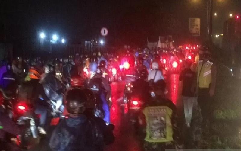 Suasana di pos Penyekatan Tanjungpura Karawang. - Antara