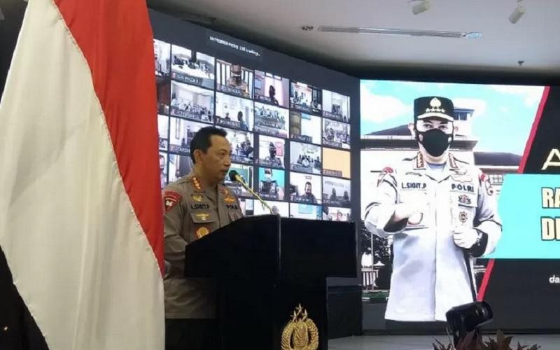 Kapolri Jendral Pol Listyo Sigit Prabowo memberikan arahan dalam Rakernis Propam Polri 2021 di Gedung Rupatama, Mabes Polri, Selasa (13/4/2021). - Antara\r\n