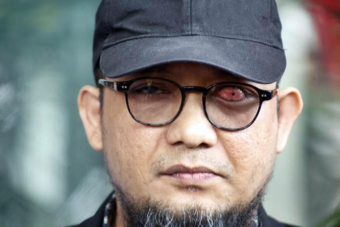 Penyidik Senior Komisi Pemberantasan Korupsi (KPK) Novel Baswedan memberikan keterangan pers di Gedung KPK, Jakarta, Jumat (26/4/2019). - ANTARA/Yulius Satria Wijaya