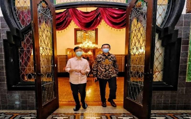 Basuki Tjahaja Purnama alias Ahok mengunjungi Wali Kota Solo Gibran Rakabuming Raka di Loji Gandung, Solo. JIBI - Bisnis/Nancy Junita/Instagram @gibran_rakabuming