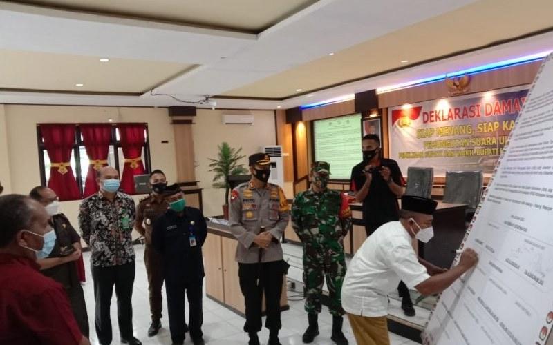 Dokumentasi - Deklarasi damai dua paslon bertarung di PSU Pilkada Kabupaten Halmahera Utara 28 April 2021 lalu - Antara/Abdul Fatah