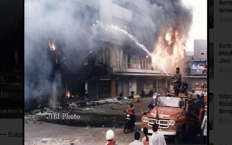 Foto kerusuhan di kota Solo, Mei 1998  -  JIBI/Solopos.com