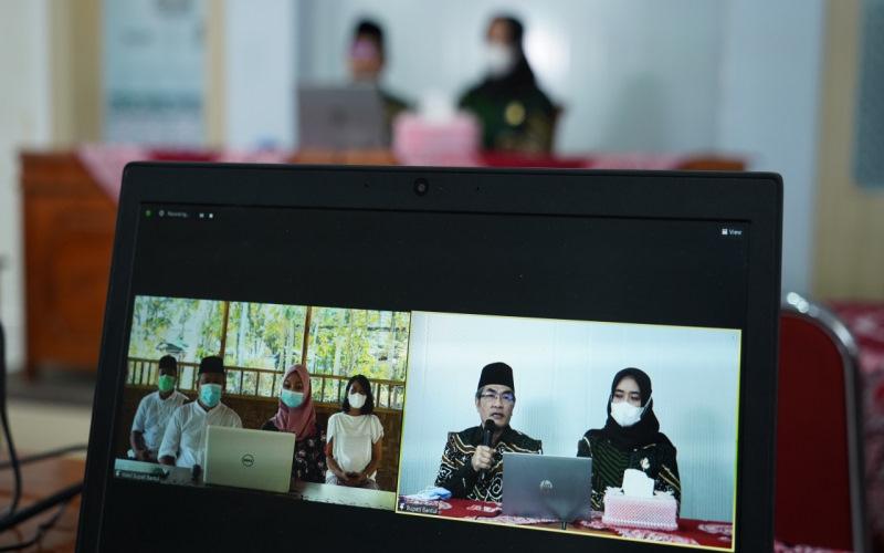 Bupati Bantul dan jajaran Forkopimda, Sekda, Asisten, OPD, Kapanewon (Kecamatan), dan Kalurahan (Kelurahan), mengadakan 'Sungkeman Virtual' pada Jumat (14/5/2021). - Humas Bantul